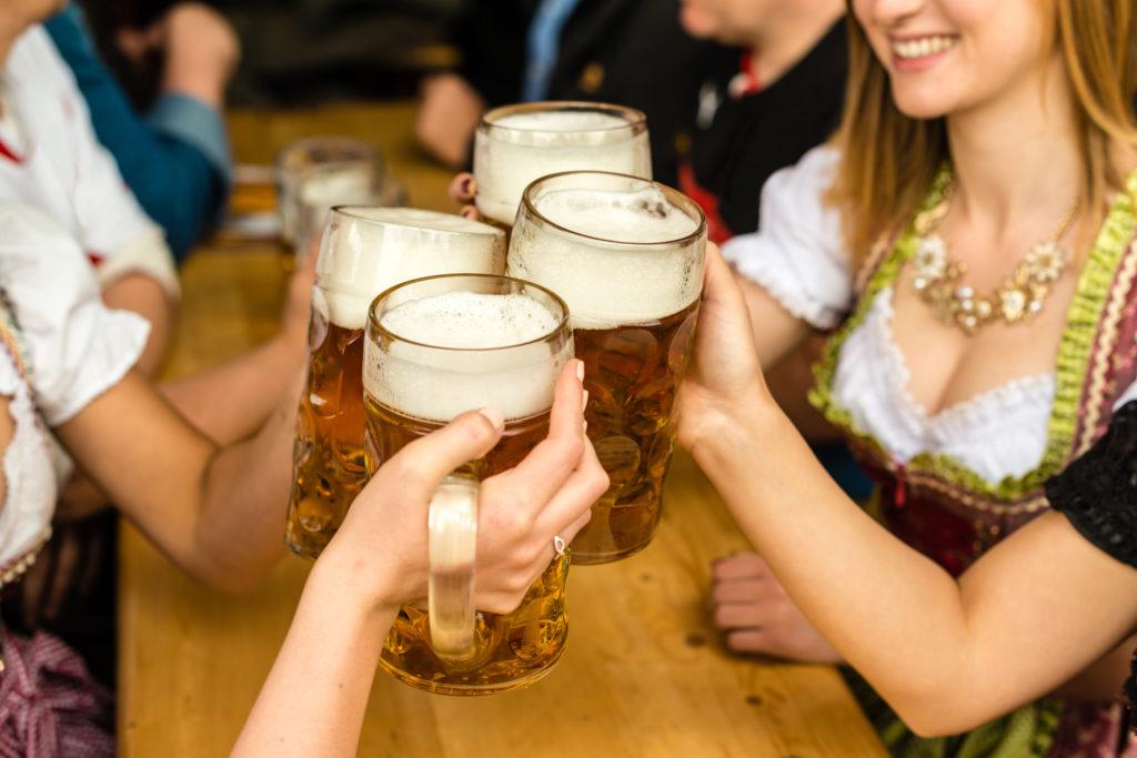 Oktoberfest Wiesen 2018 Wiesn München Bier Maas O Zapft is Brezen