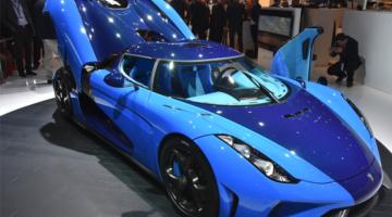 Auto Salon Genf blaues Modell_3