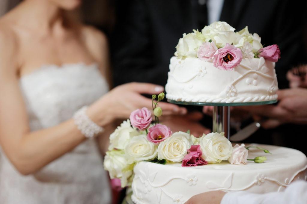 Hochzeitstorte Braut und Bräutigam Wedding 2019 Limmattal Hochzeitsmesse