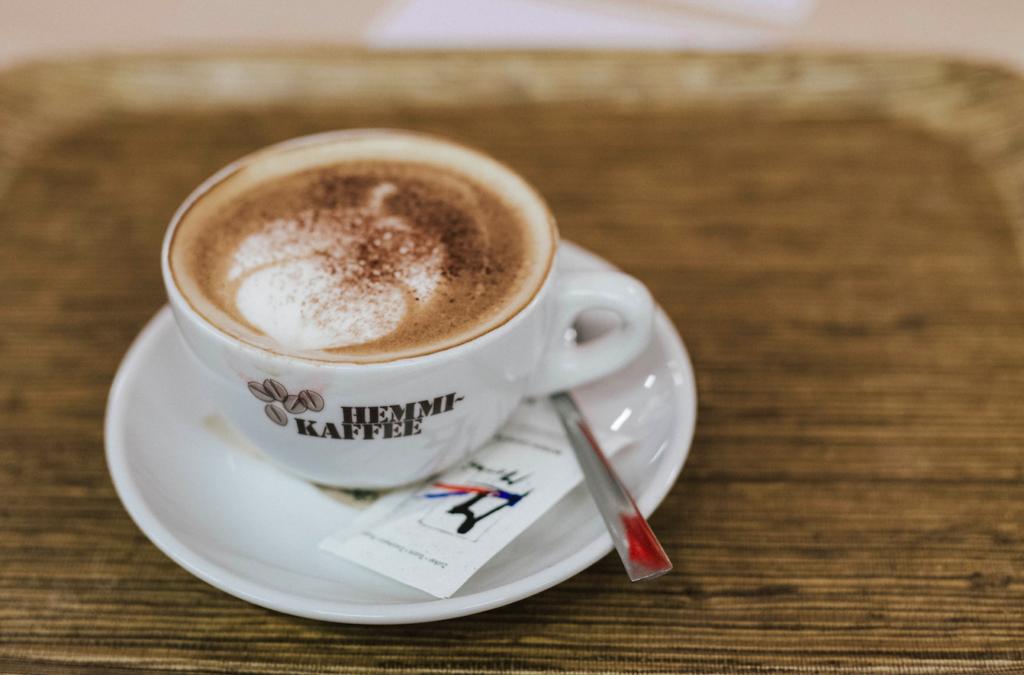 Hemmi Kaffee Zürich Milchkaffee trendsandstyles