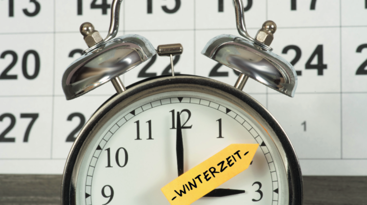 Zeitumstellung Tipps innere Balance Winterzeit Wecker 123 RF trends&style